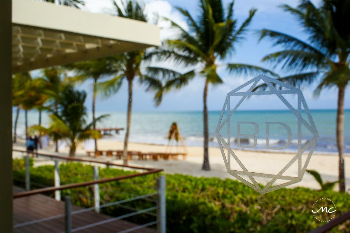 Beach destination wedding at Blue Diamond Riviera Maya in Mexico. Martina Campolo Photography
