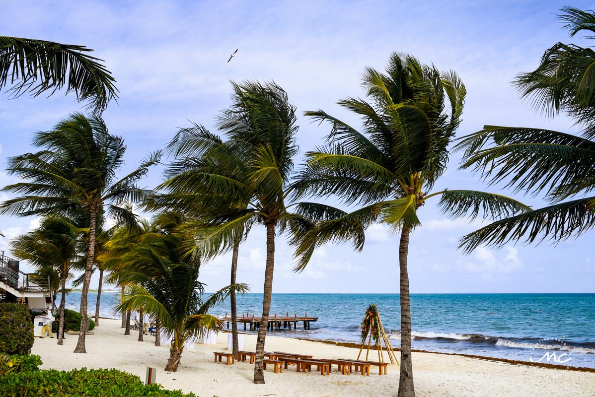 Beach destination wedding at Blue Diamond Riviera Maya Mexico. Martina Campolo Photography