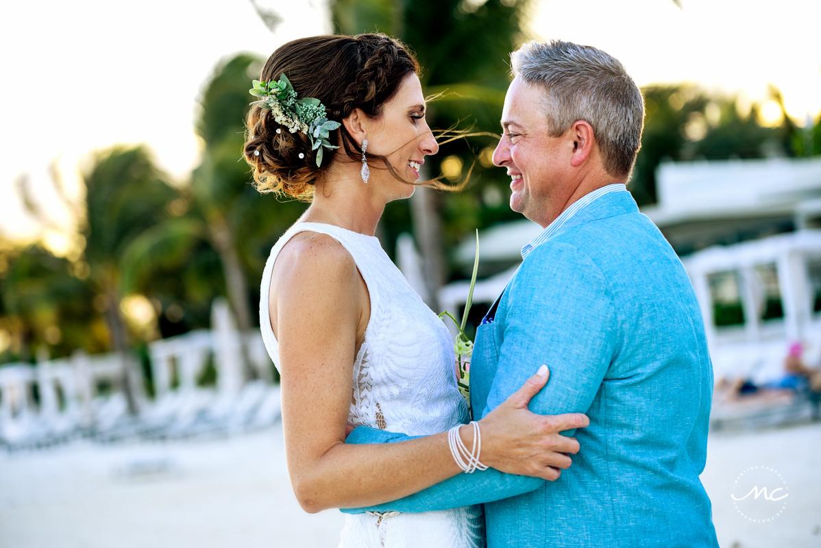 Bride & groom beach portraits at Blue Diamond Riviera Maya, Mexico. Martina Campolo Photography