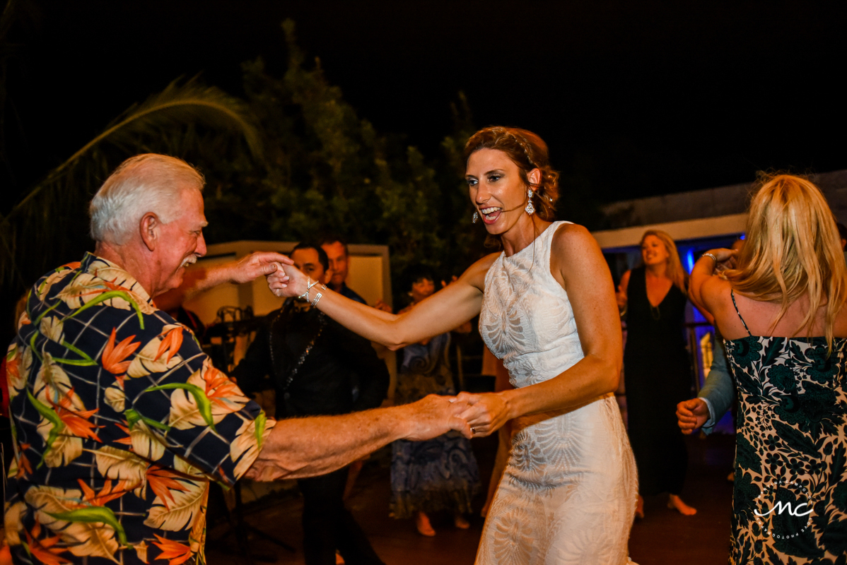 Fun Wedding reception at Blue Diamond Luxury Boutique Hotel in Mexico. Martina Campolo Photography