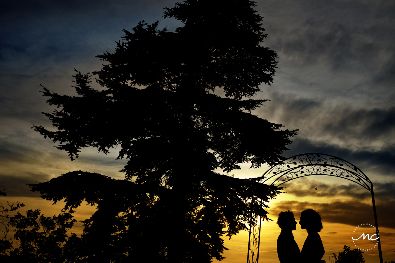 Couples Silhouettes at Castello di Trisobbio Italy. Martina Campolo Photography