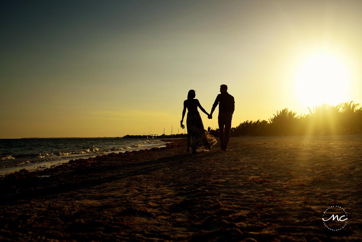 Engagement photos at Chable Maroma Beach, Mexico. Martina Campolo Photography