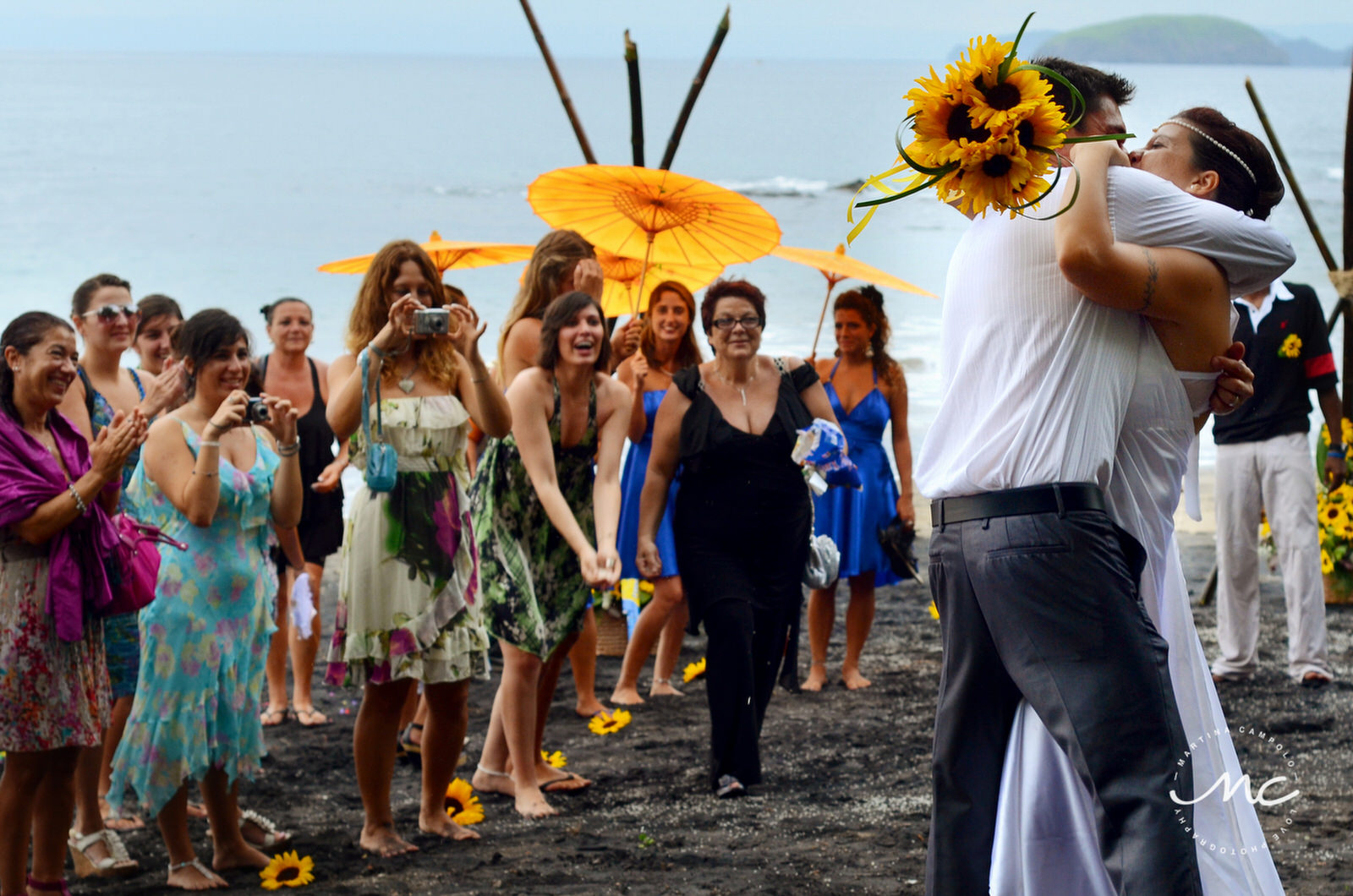 Costa Rica Destination Wedding. Playa Hermosa, Guanacaste. Martina Campolo Photography