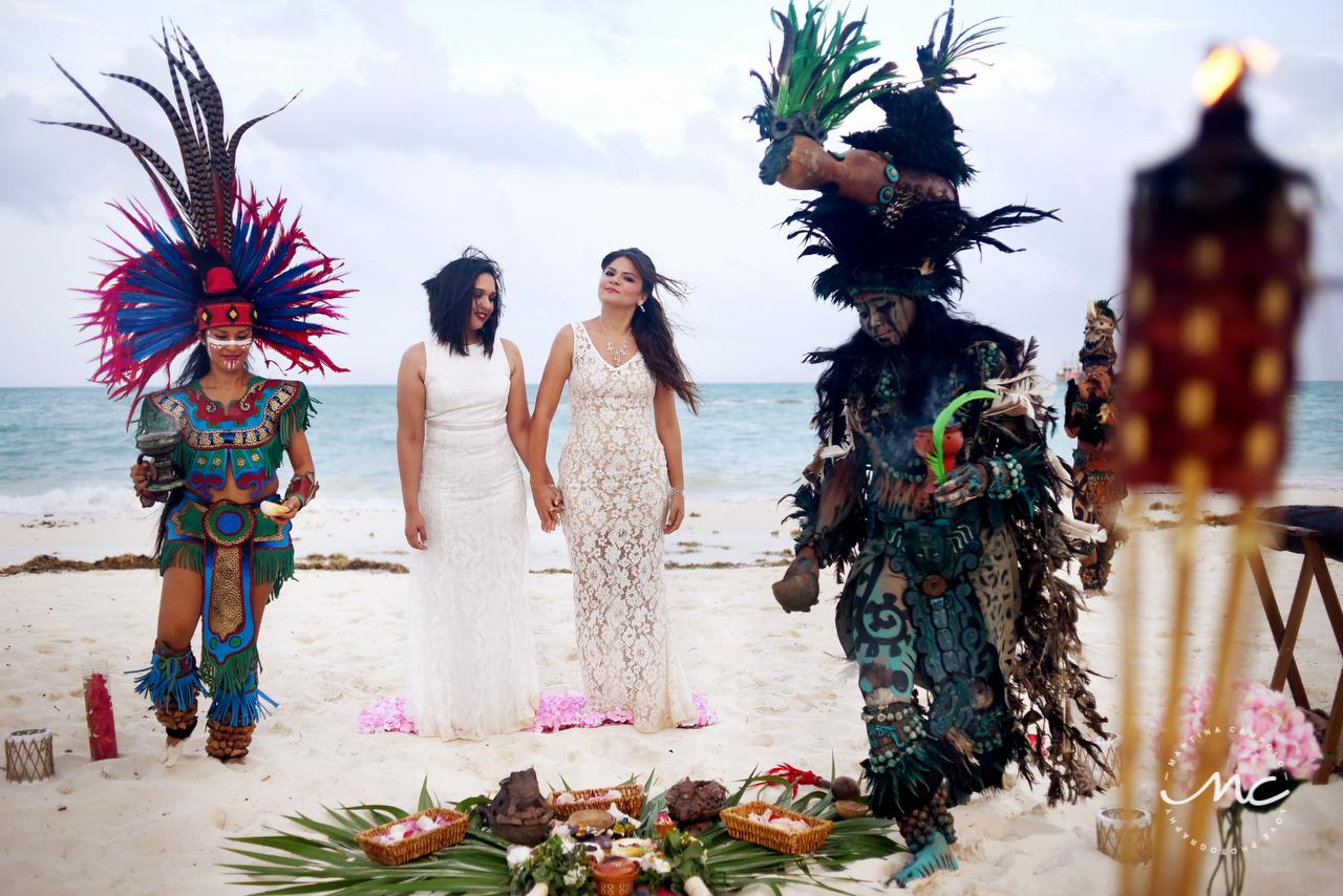 Mayan beach wedding at Andaz Mayakoba, Riviera Maya, MX. Martina Campolo Photography