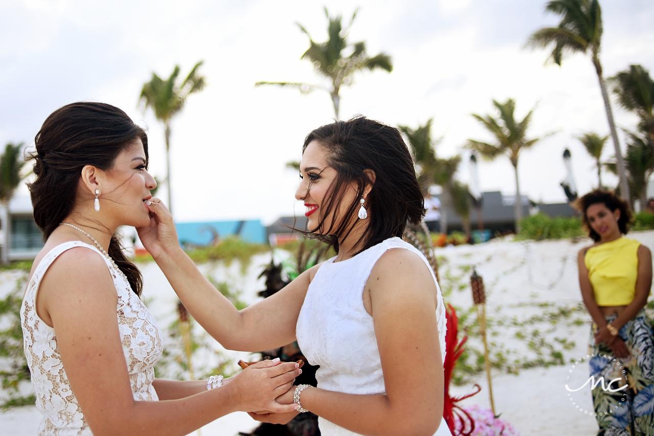 Mayan blessing for gay wedding at Andaz Mayakoba, Mexico. Martina Campolo Photography
