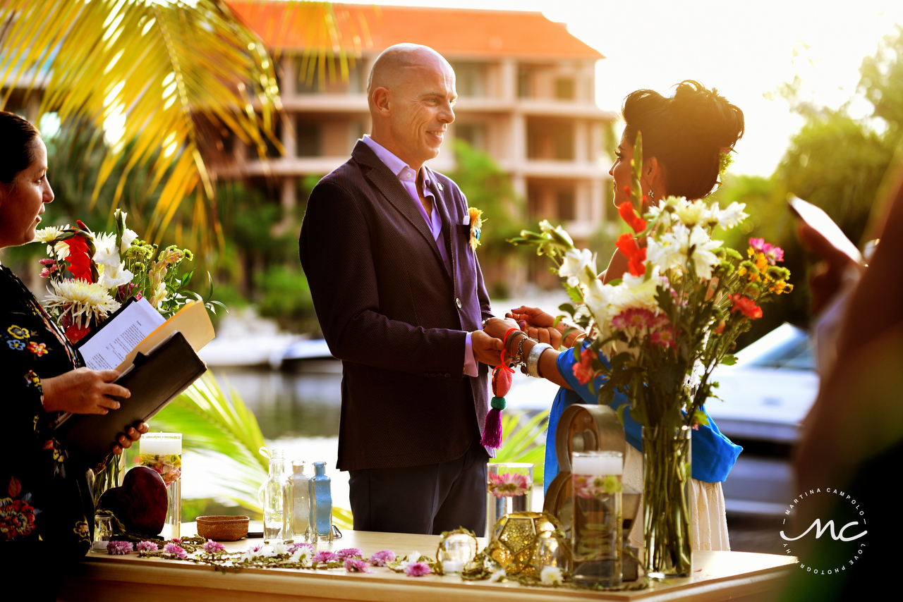 Sol and David's intimate wedding in Puerto Aventuras, Mexico by Martina Campolo Photographer