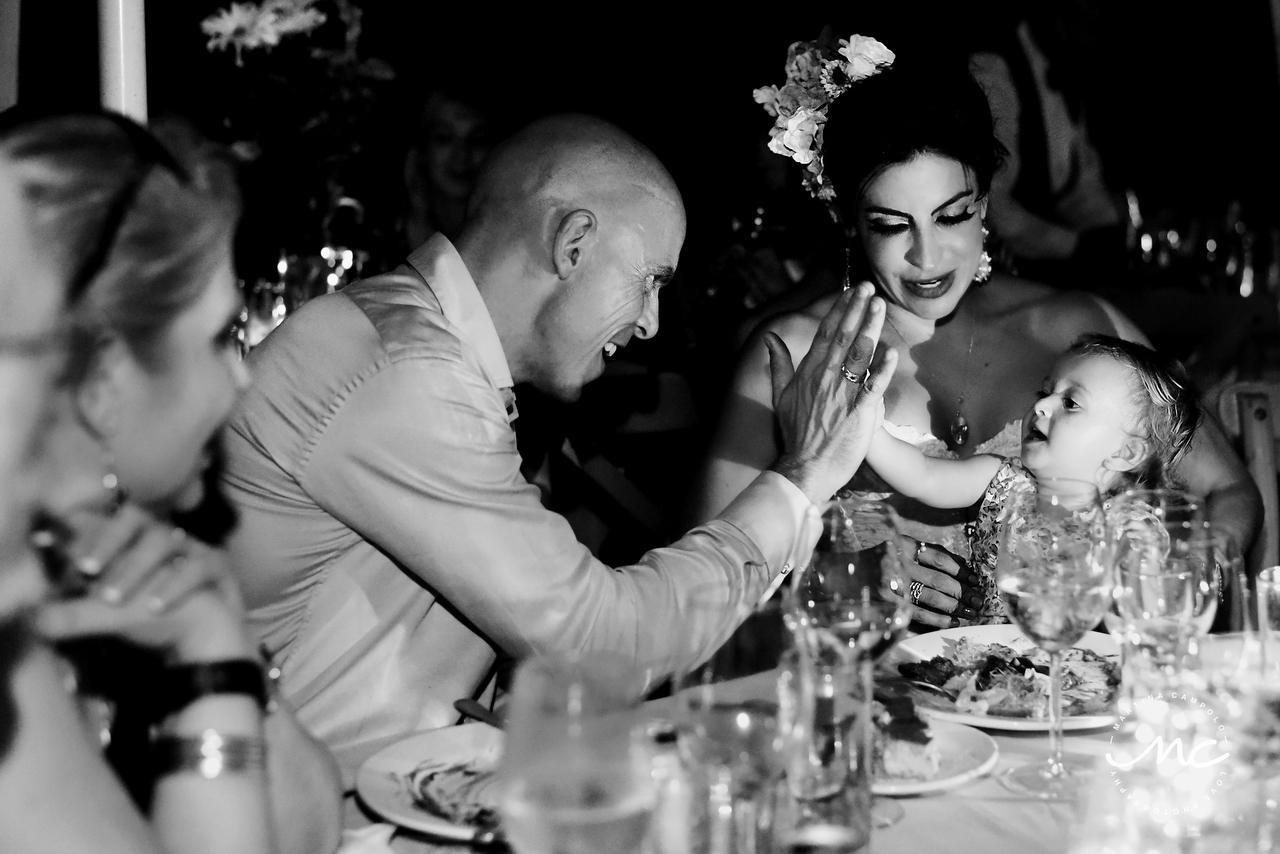 Wedding reception moment in Puerto Aventuras Villa, Mexico. Martina Campolo Photography