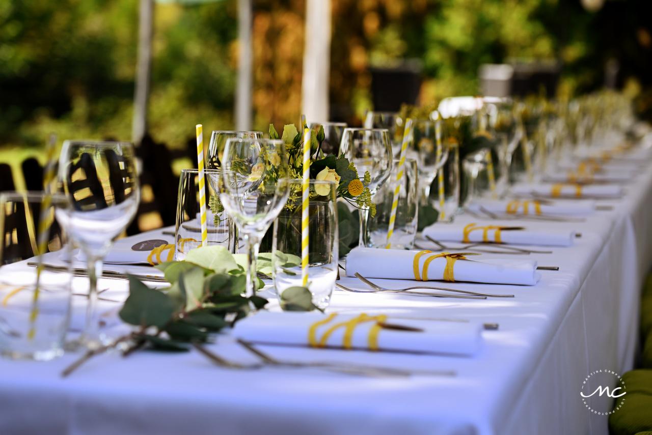 Rustic yellow wedding table decor. Heidelberg Wedding in Germany. Martina Campolo Photography