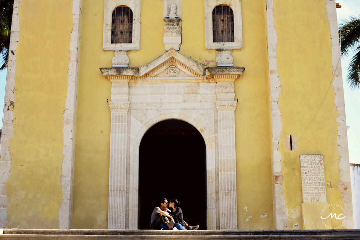 Colorful engagement session in Merida, Yucatan Mexico. Martina Campolo Photography