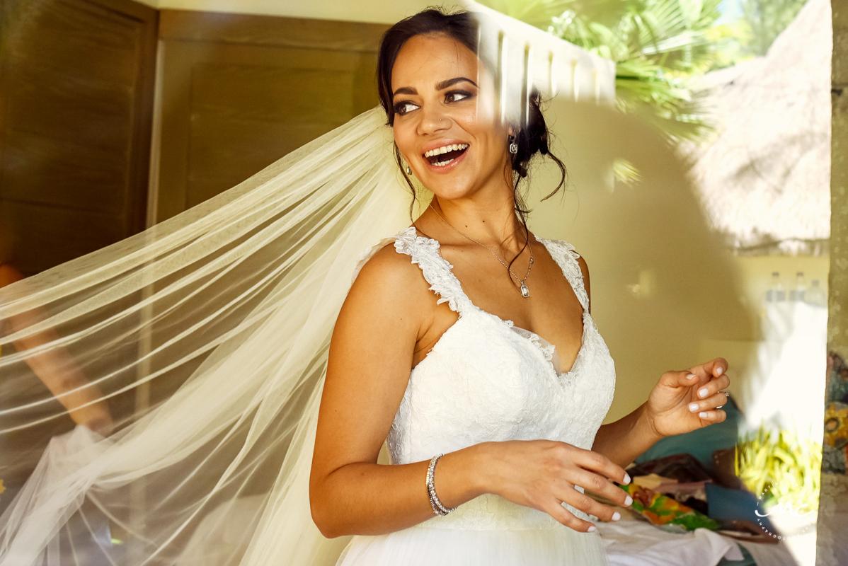 Mahekal Beach Resort Wedding in Playa del Carmen, Mexico. Martina Campolo Photography