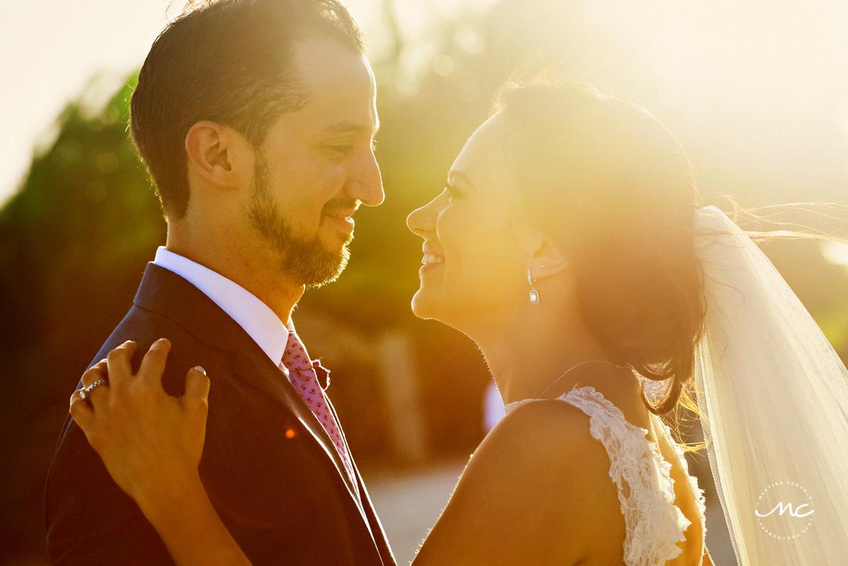 Bride and groom sunset portraits at Blue Venado Beach Club, Mexico. Martina Campolo Photography