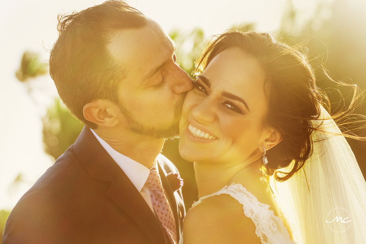 Bride and groom sunset portraits. Blue Venado Wedding in Mexico. Martina Campolo Photography