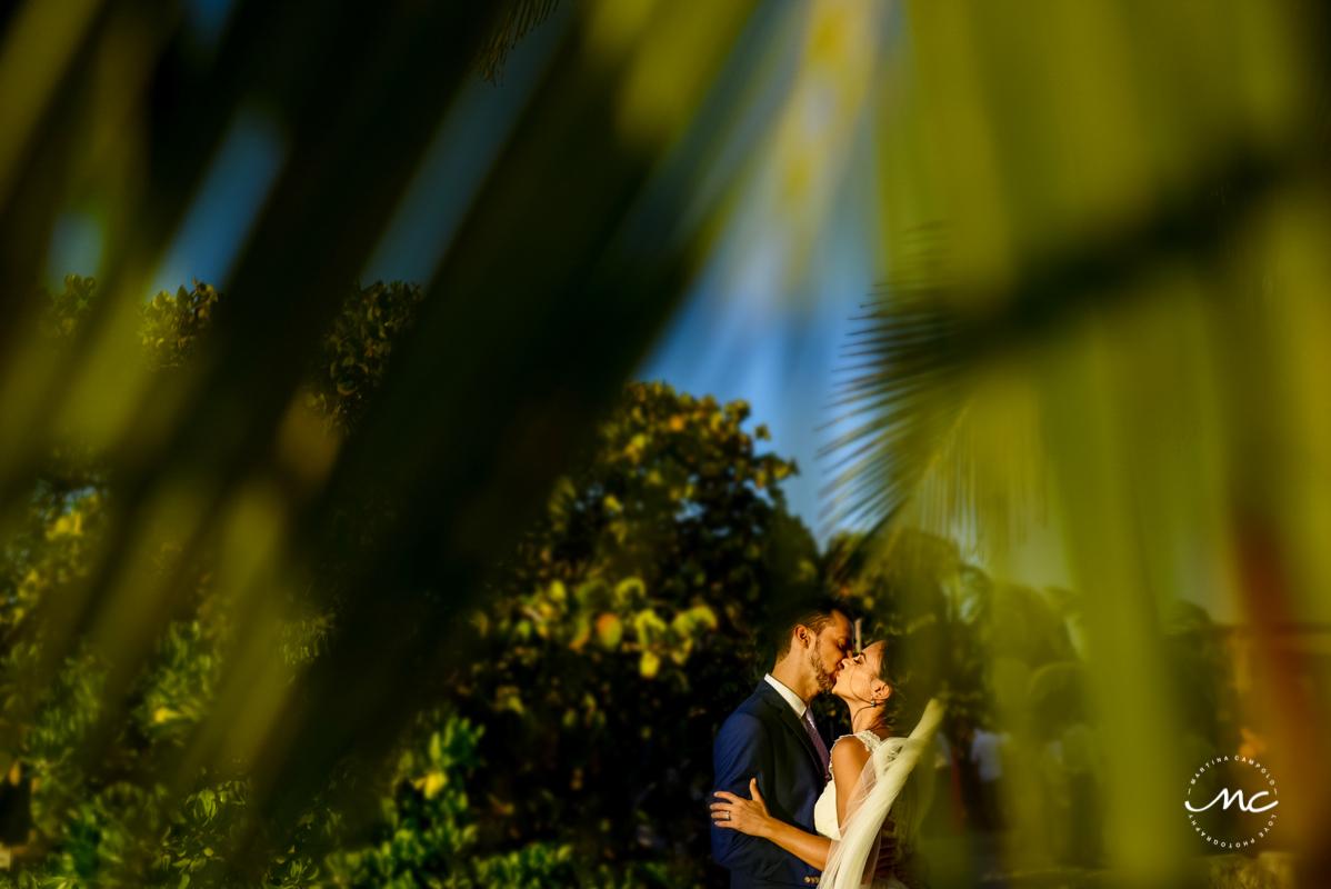 Destination bride and groom portraits. Playa del Carmen Wedding in Mexico. Martina Campolo Photography