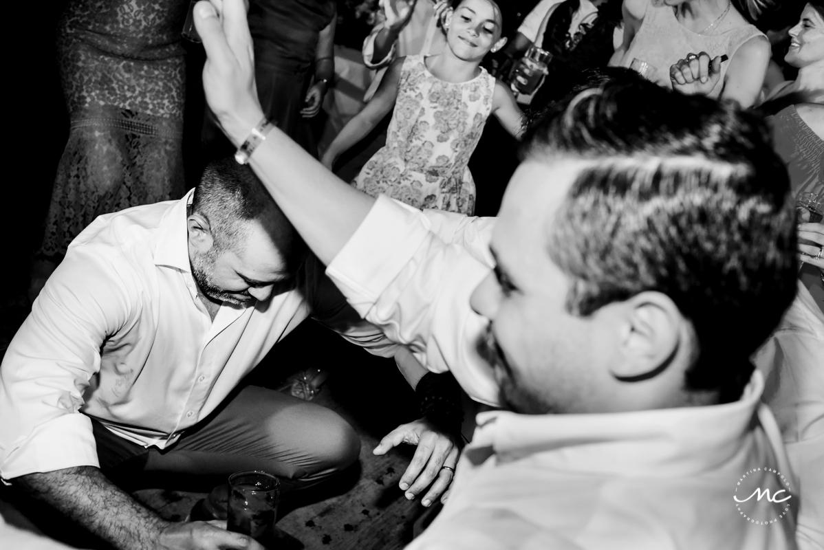 Wedding guests dance at Blue Venado Wedding in Mexico. Martina Campolo Photography