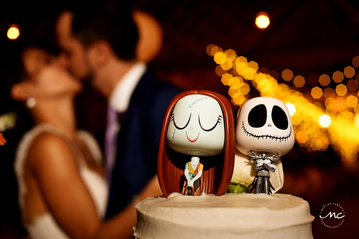 Wedding cake topper for a Mexican Wedding at Blue Venado Beach Club. Martina Campolo Photography