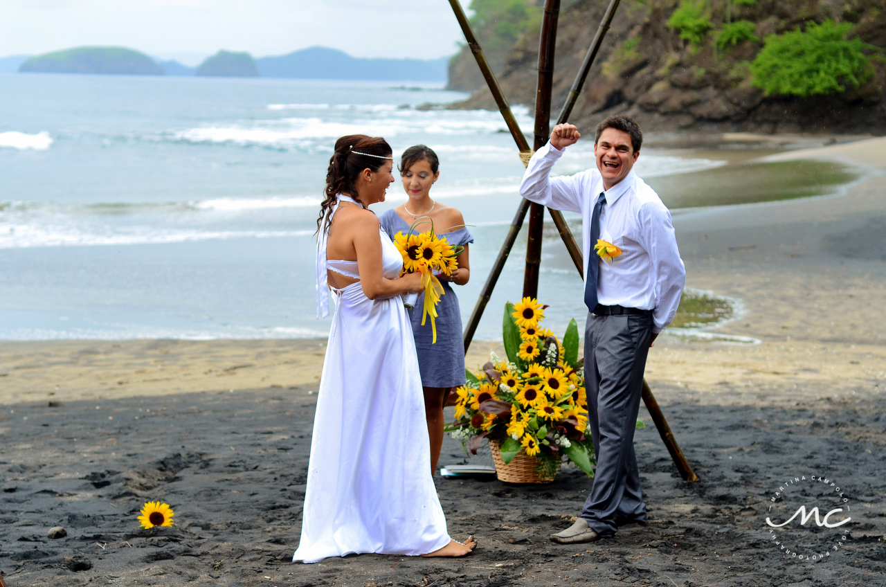 Bride and groom. Costa Rica Beach Destination Wedding. Martina Campolo Photography