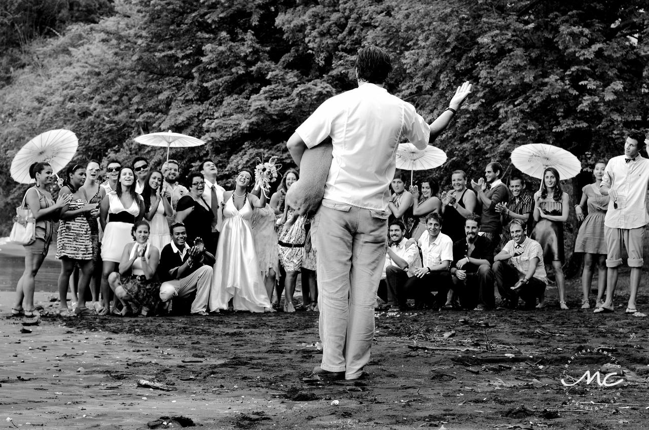 Wedding group beach portraits in Guanacaste, Costa Rica. Martina Campolo Photography