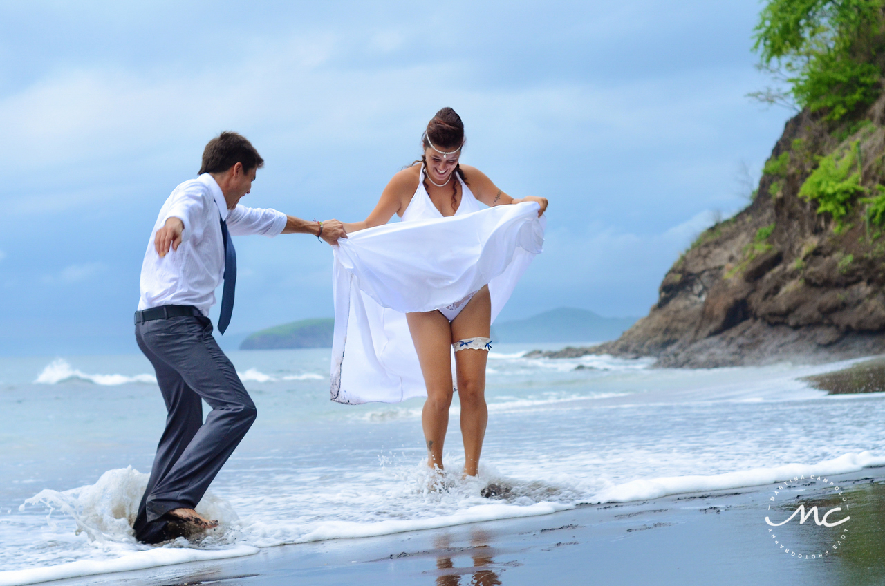 Bride and groom beach portraits in Guanacaste, Costa Rica. Martina Campolo Photography