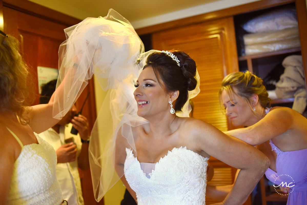 Bride getting ready at Now Sapphire Riviera Cancun, Mexico. Martina Campolo Photography