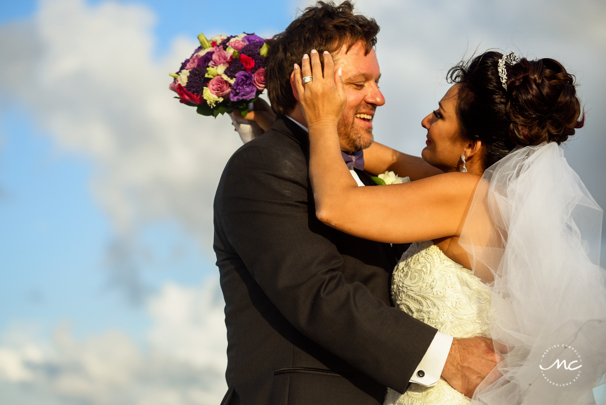 Destination bride and groom portraits. Now Sapphire Riviera Cancun, Mexico. Martina Campolo Photography