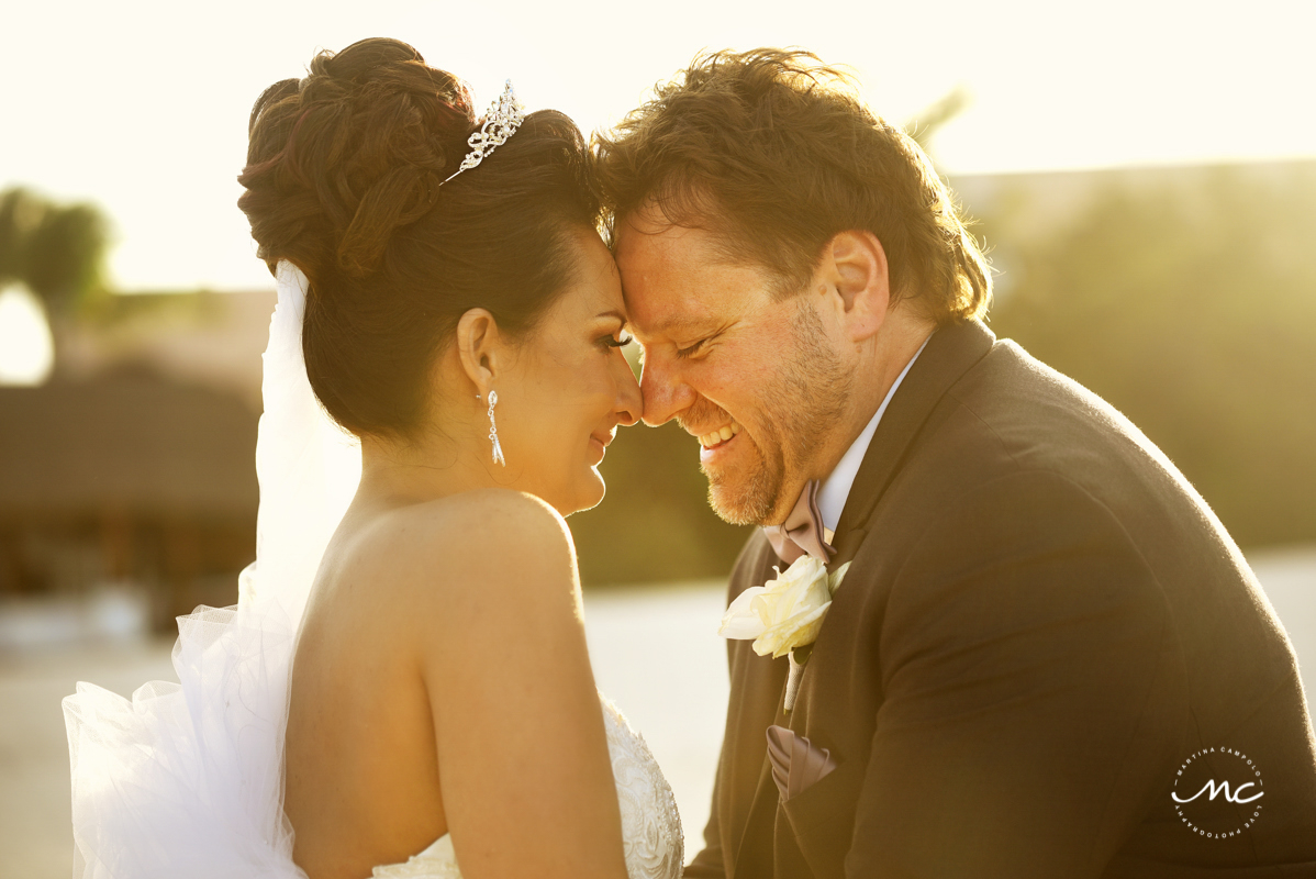 Bride and groom sunset portraits at Now Sapphire Riviera Cancun, Mexico. Martina Campolo Photography