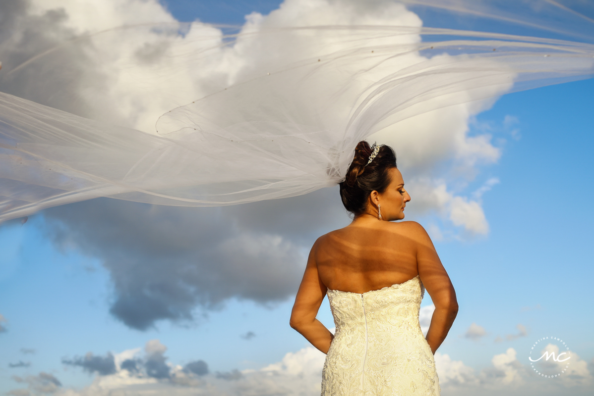 Bride veil portraits by Martina Campolo Now Sapphire Riviera Cancun Wedding Photographer