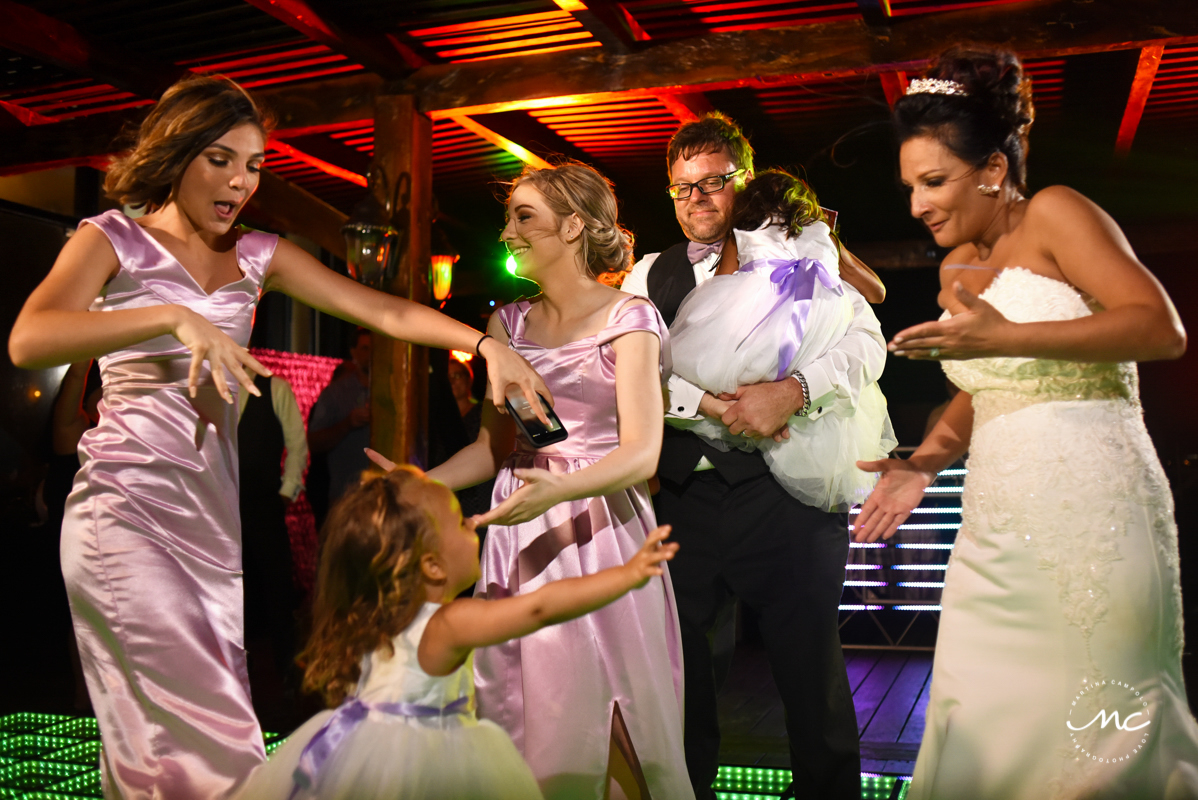 Bride, groom and daughters dance. Now Sapphire destination wedding by Martina Campolo Photography