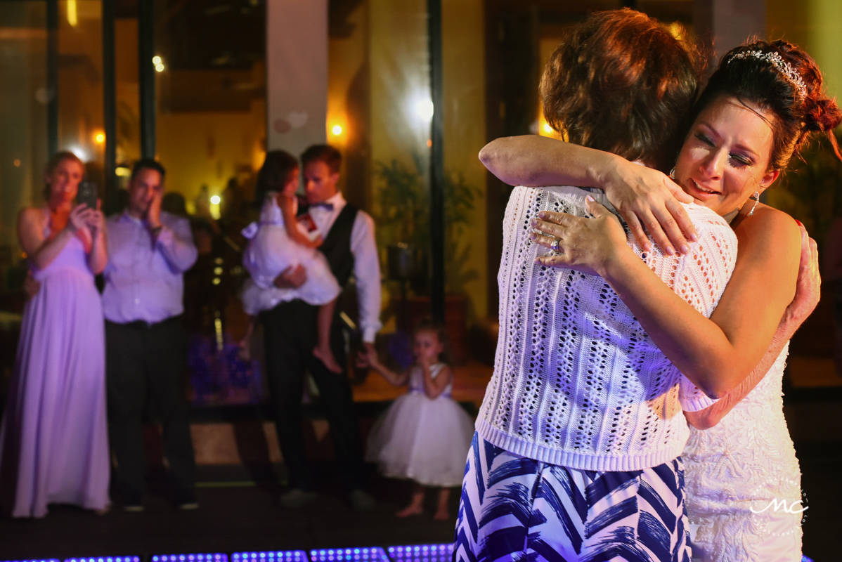 Wedding reception moment at Now Sapphire Riviera Cancun, Mexico. Martina Campolo Photography