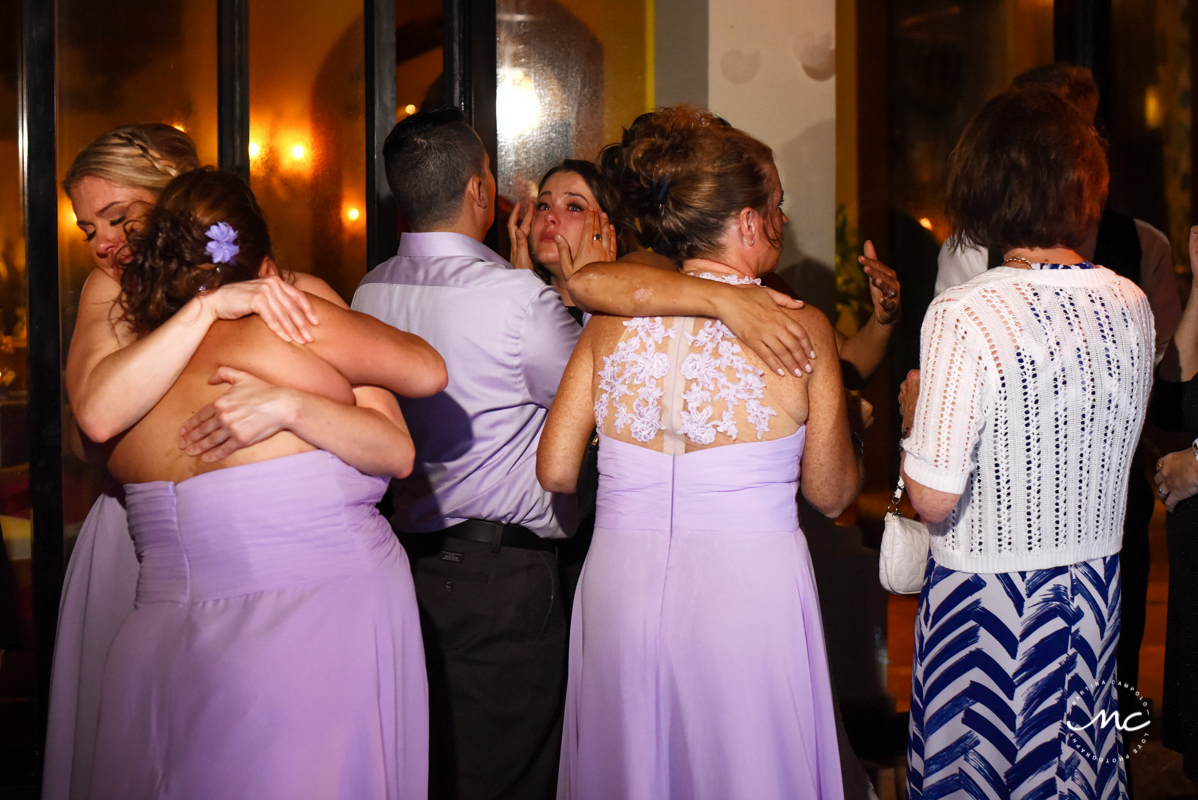 Emotional wedding guests at Now Sapphire Riviera Cancun. Martina Campolo Photography