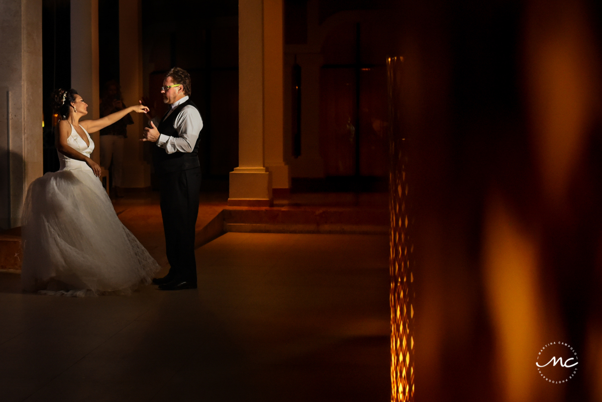 Bride and groom night portraits at Now Sapphire Riviera Cancun. Martina Campolo Photography