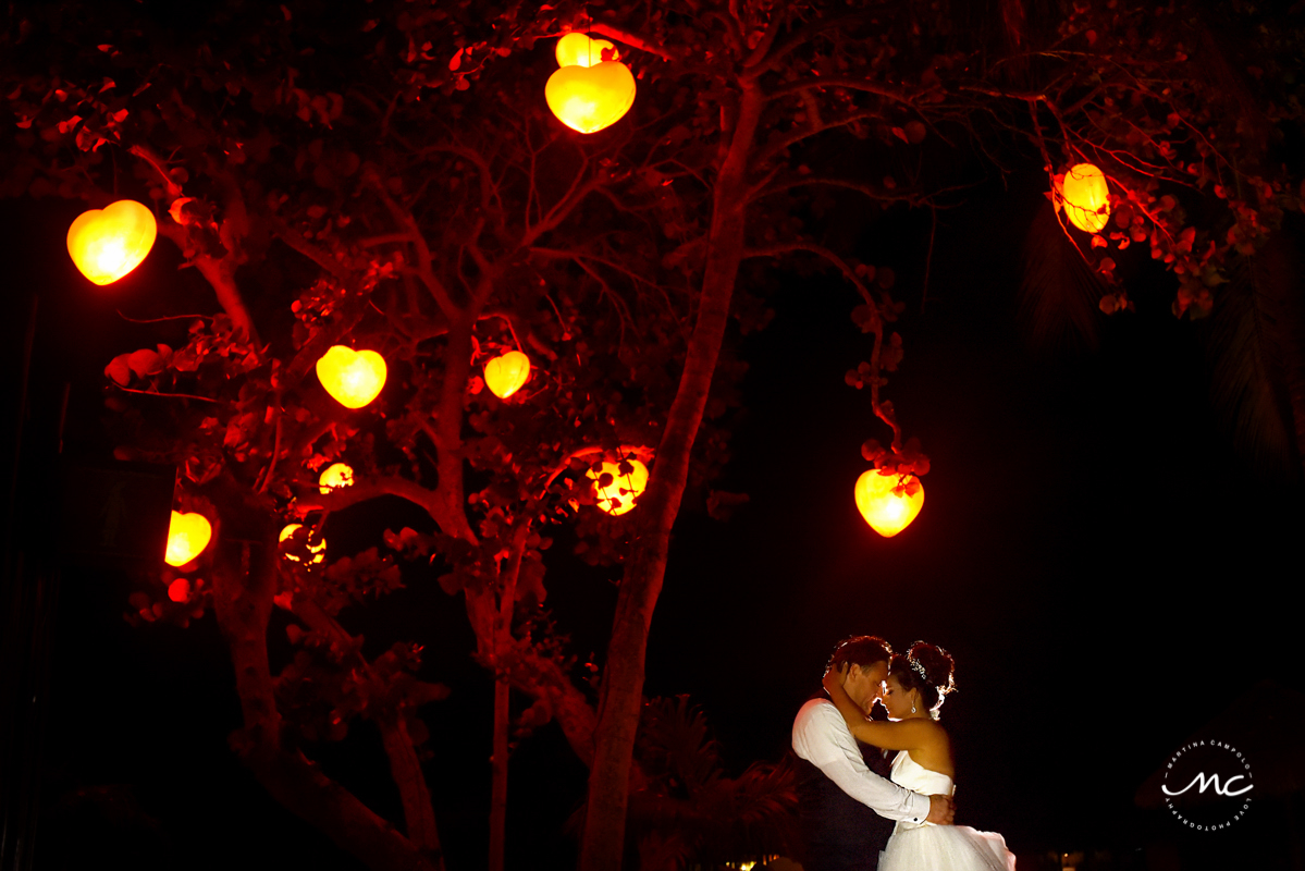 Bride and groom first dance at Now Sapphire Riviera Cancun, Mexico. Martina Campolo Photography