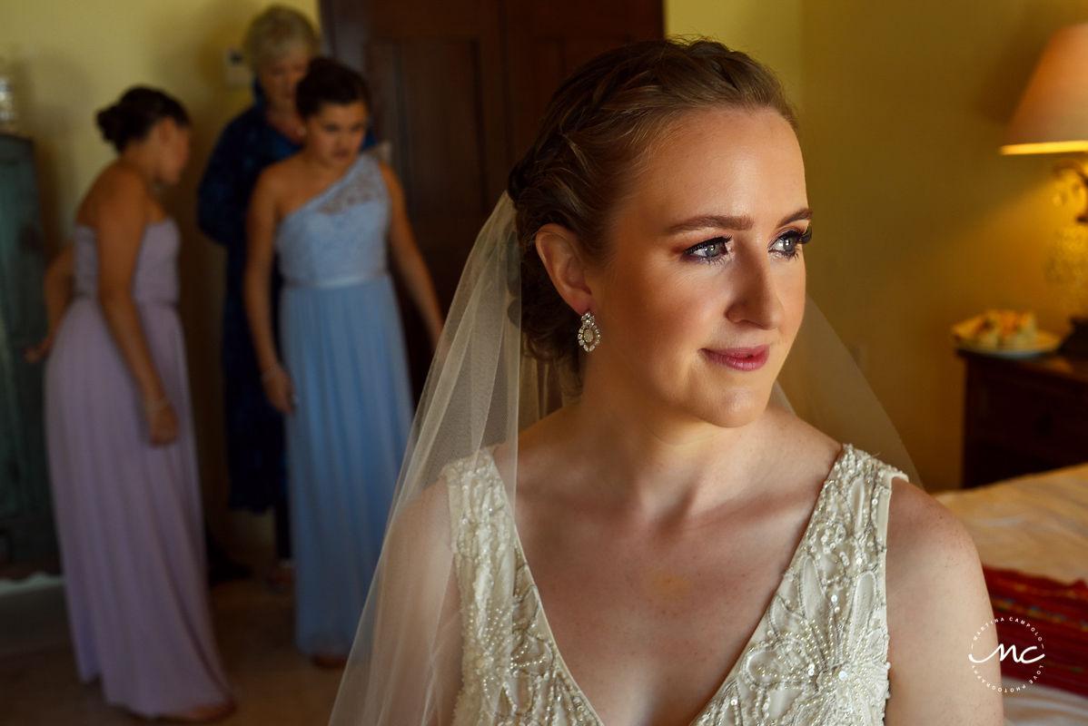 Destination bride portrait with natural light at Hacienda del Mar, Riviera Maya, Mexico. Martina Campolo Photography