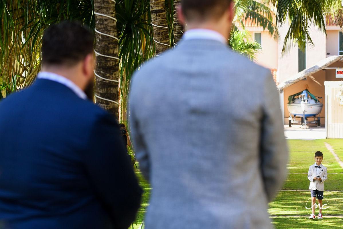Ring bearer entrance. Hacienda del Mar destination wedding in Mexico by Martina Campolo Photography