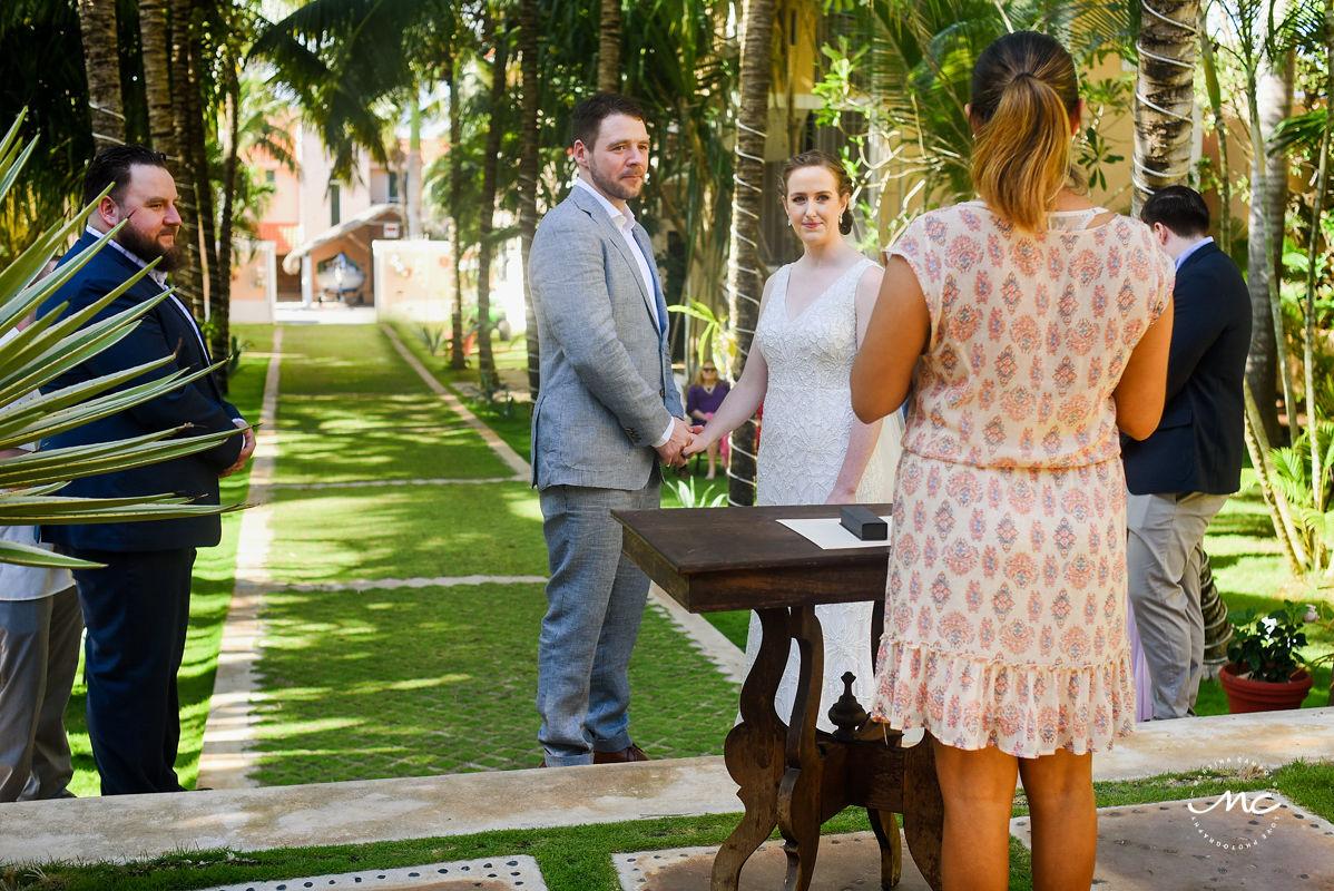Wedding ceremony moment at Hacienda del Mar, Puerto Aventuras, Mexico. Martina Campolo Photography