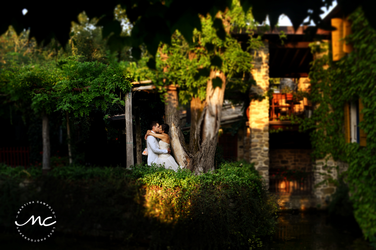 Countryside San Leo Wedding. Martina Campolo Italian Wedding Photographer